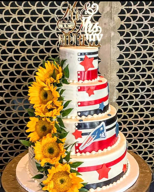 Welcome September and football!! Love this twist  on a traditional and fun wedding cake we delivered last evening #specialty