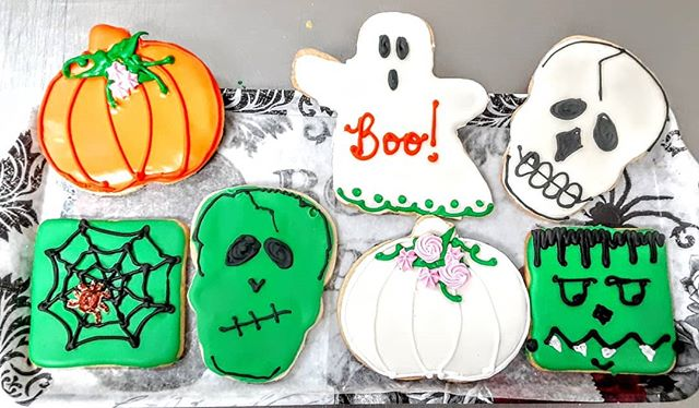 It's a #bootiful day for Halloween cookies-prepping treats for Halloween!