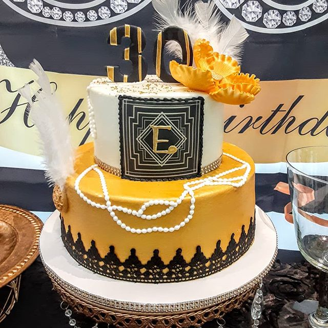 Remembering this fun party featuring our #greatgatsbycake