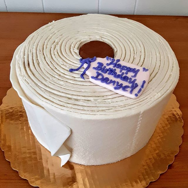 Running low on TP? Order a #toiletpapercake !